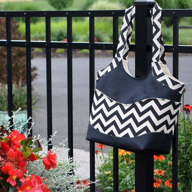 Betz White Small Smile and Wave Tote by AngieF