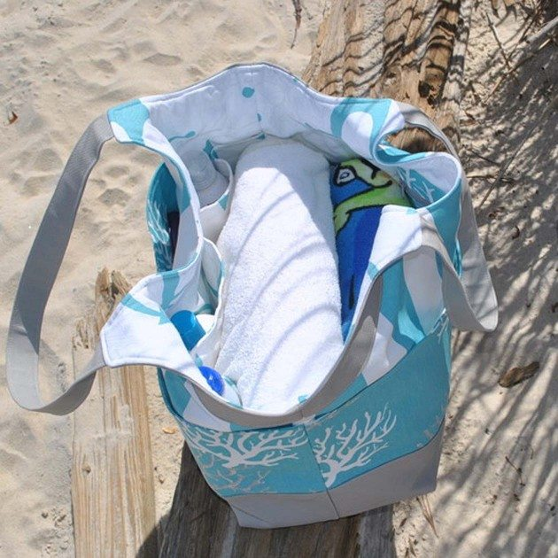 Betz White Smile and Wave Tote by AngieF2
