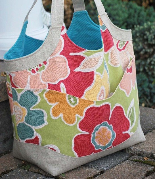 Betz White Smile and Wave Tote by Cindy