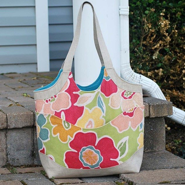 Betz White Smile and Wave Tote by Cindy2