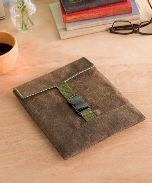 Present Perfect - Cargo Tablet Sleeve