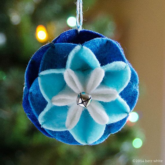 Winter Bloom Ornament PDF pattern - betz white