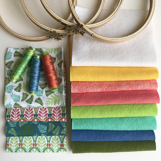 Entomologie embroidery kit Betz White