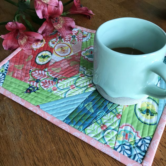Entomologie Fabric mug rug tutorial by Betz White - finished