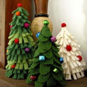 Fab Felt Holiday Crafts by Betz White