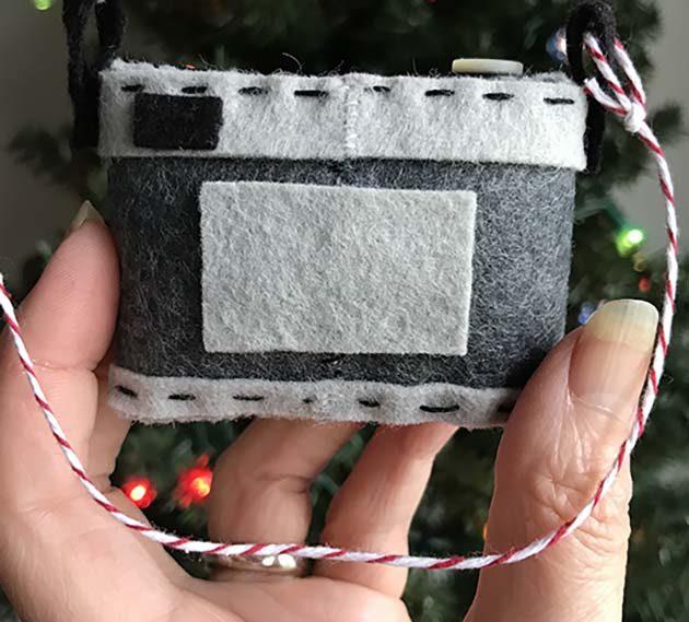 betz white camera-ornament-back