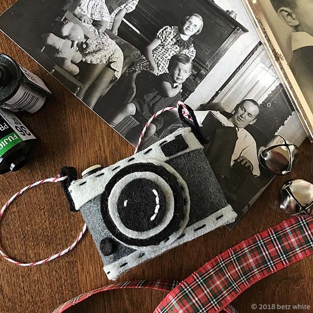 betz white camera-ornament-family-pic