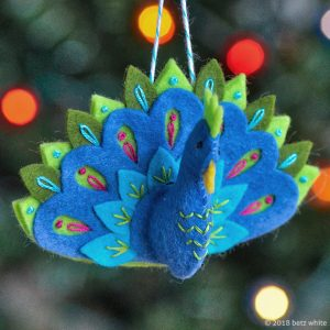 peacock-ornament-pattern Betz White