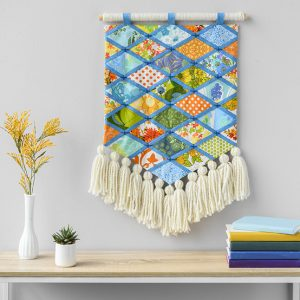 Patchwork Wall Hanging display betz white