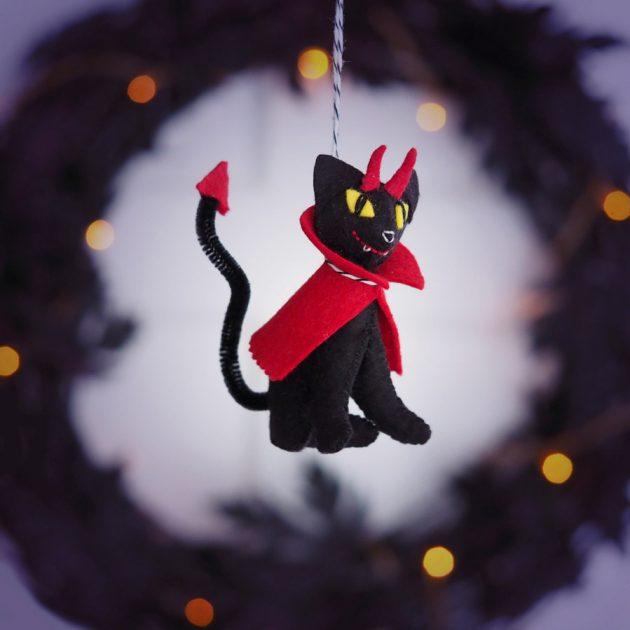 devil-cat-ornament